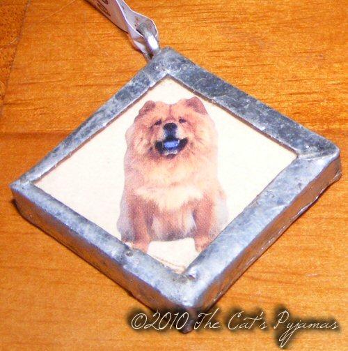 Chow pendant