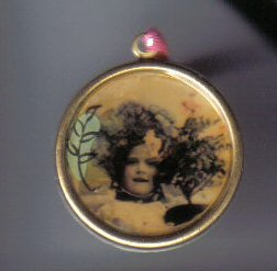 Flower Girl round pendant