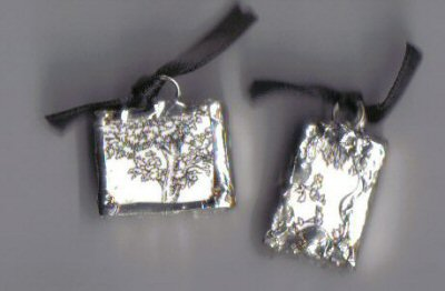 Chintz pendants black & white