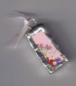 Chintz pendants pink background with flowers
