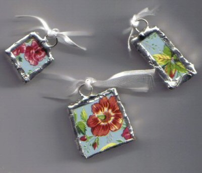 Chintz pendants Blue background with red flowers