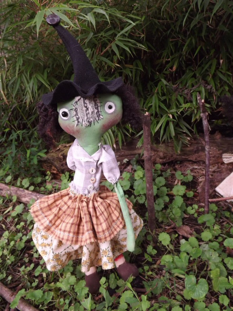 Griselda-witch, doll, primitive, folk art, halloween, coven, gathering, wicca, soft sculpture