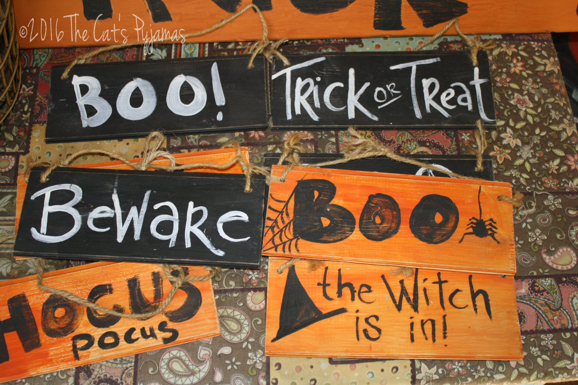 Upcycled Halloween Signs