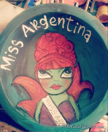 Miss Argentina painted bowl
