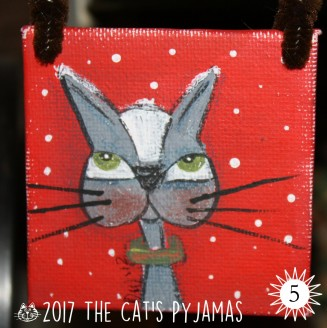 Gray & white cat ornament