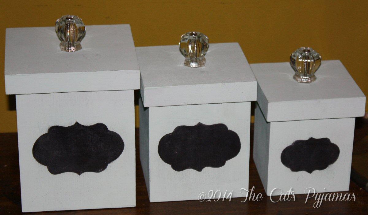 Retro 3-piece canister set